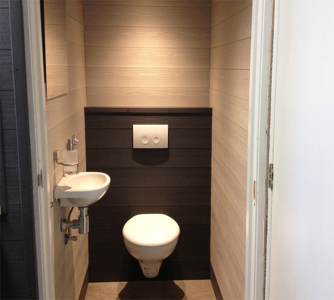 Toilet met wandbekleding white wash antraciet bacodeck - Wandbekleding voor wc ...